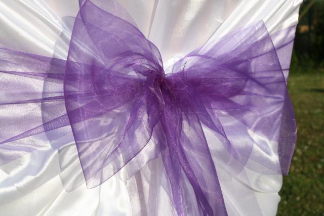 Mašle na svatební potahy, fialová mašle na židle