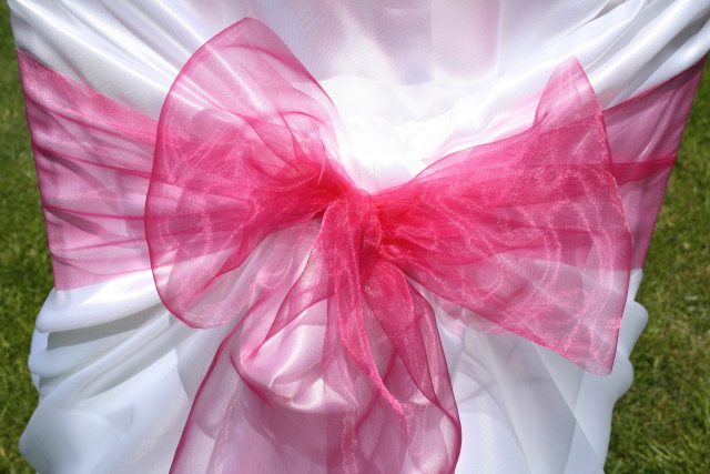 Mašle na svatební potahy, růžová mašle na židle